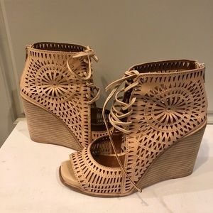 Jeffrey Campbell Rayos Perforated Wedge Sandal 6.5